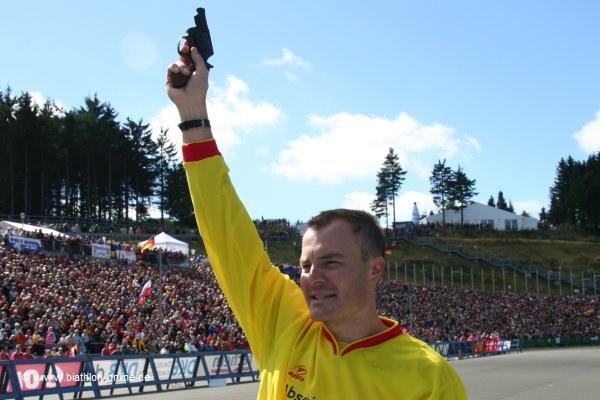 Sven Fischer gibt den Startschuss