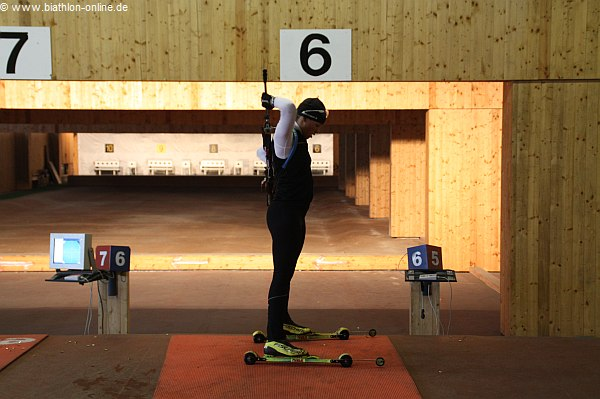 Magdalena Neuner beim Schießen